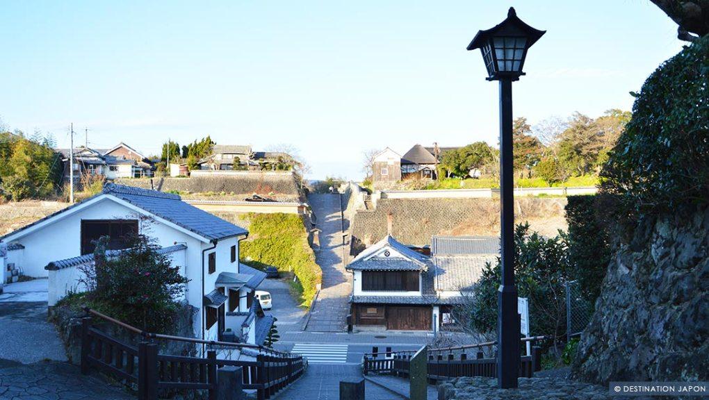 Rue ancienne dans la ville-château de Kitsuki