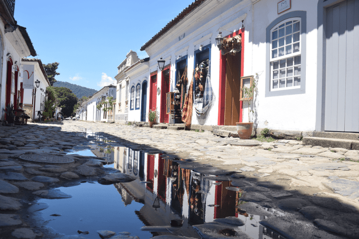 paraty is a beautiful town