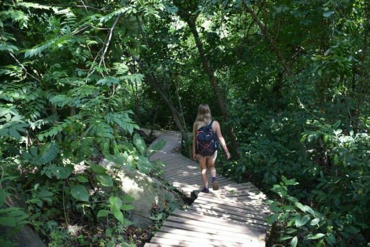 hiking in tayrona national park