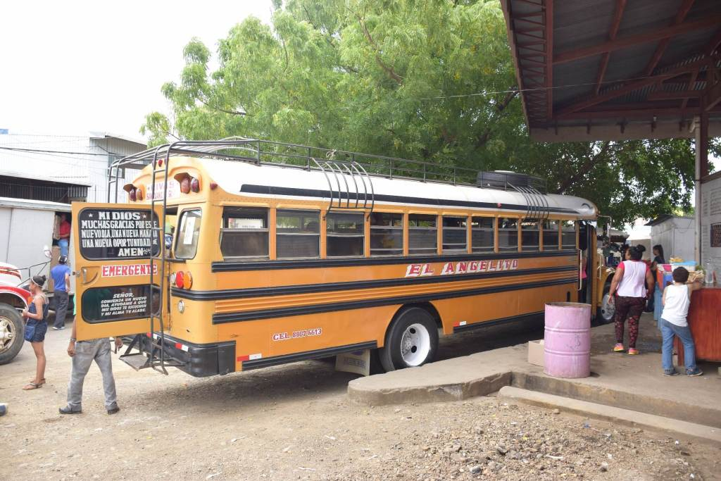 costa rica to Nicaragua by chicken bus at Rivas bus station