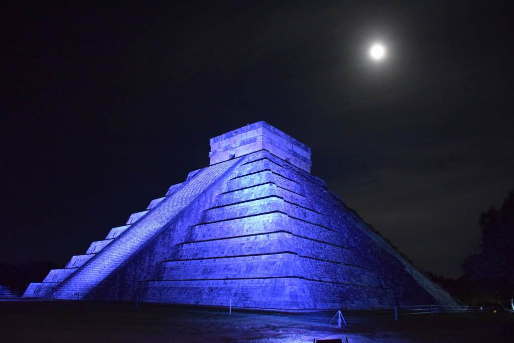 Temple of Kukulkan at the night show