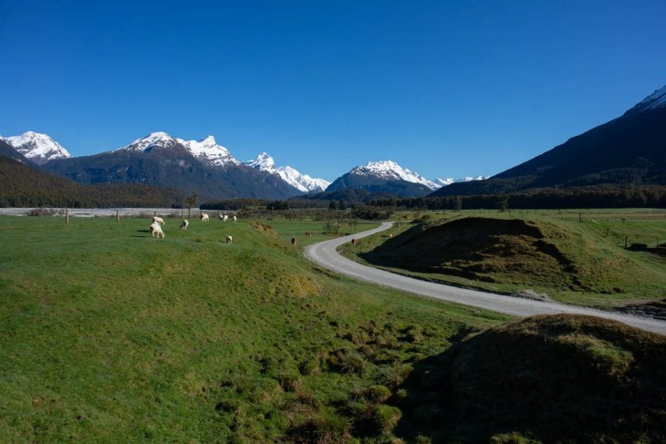 paradise on the glenorchy lord of the rings tour