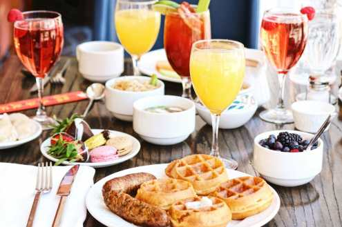 BEST BOTTOMLESS MIMOSAS DENVER CO HAS TO OFFER |