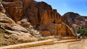 Okelisk Tomb
