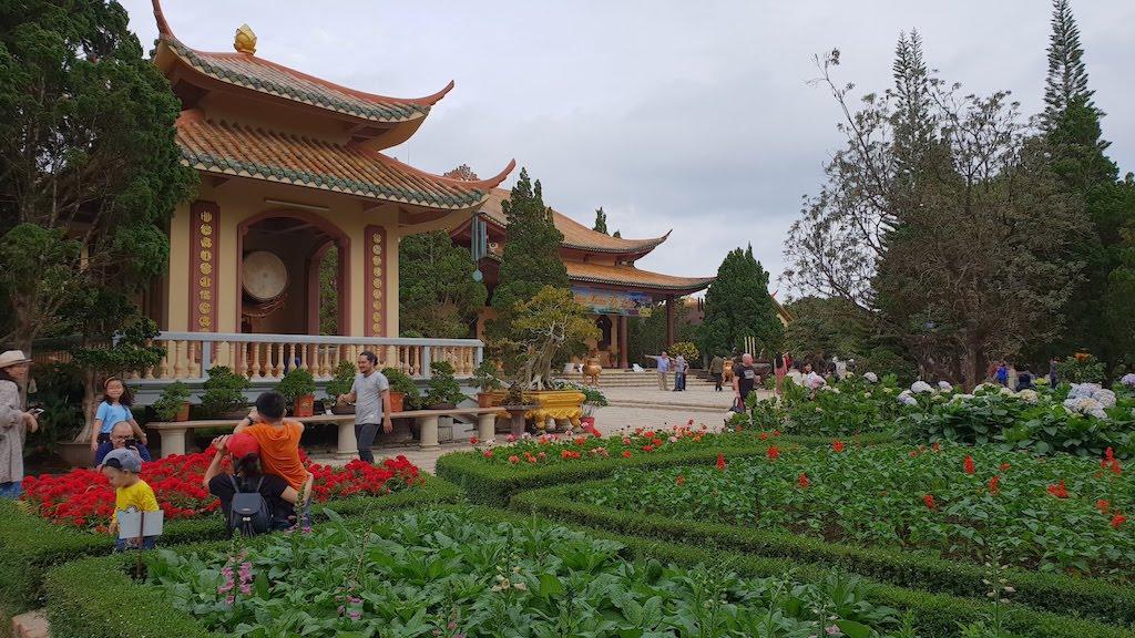Truc Lam Zen pagoda Dalat