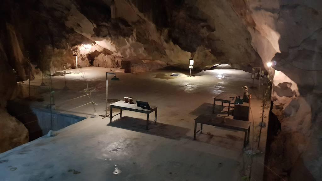 Grotte de l'hôpital Cat Ba