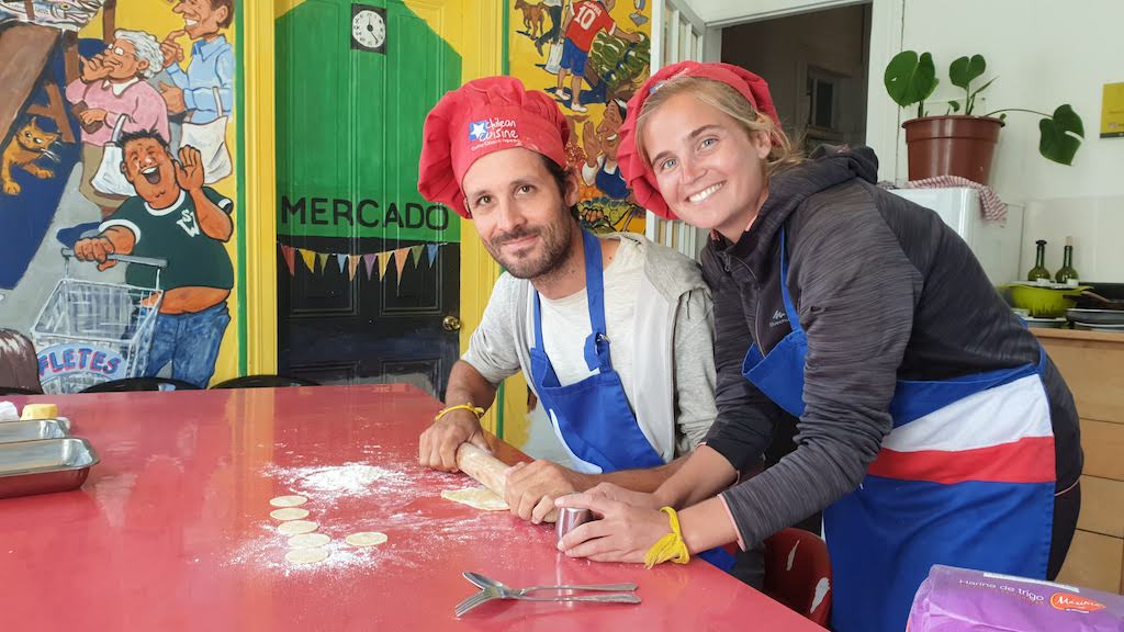 Définition tour du monde : Découvrir culture comme ce cours de cuisine au Chili