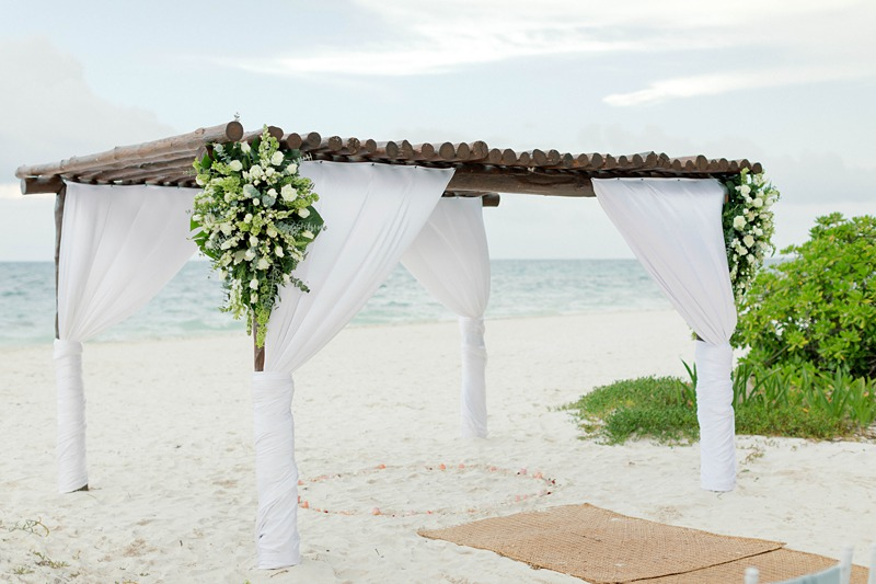 4 Beach Wedding Flower Mistakes To Avoid