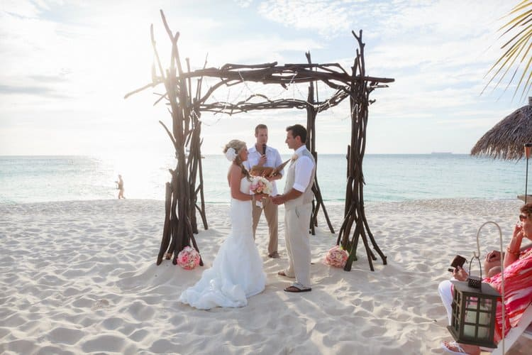 Gorgeous Wedding Arch Decoration