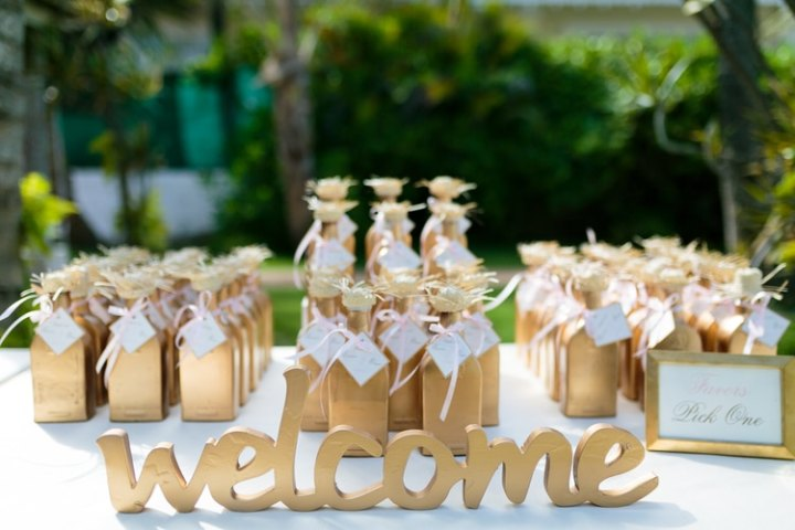 17 Wedding Welcome Bags and Favors Your Guests Will Love     ideas for destination wedding favors