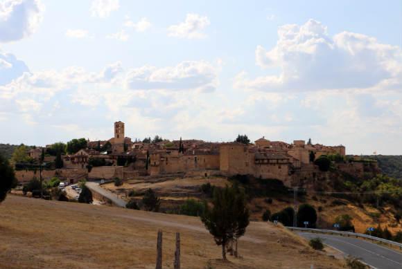 Llegando a Pedraza - Destino Castilla y León