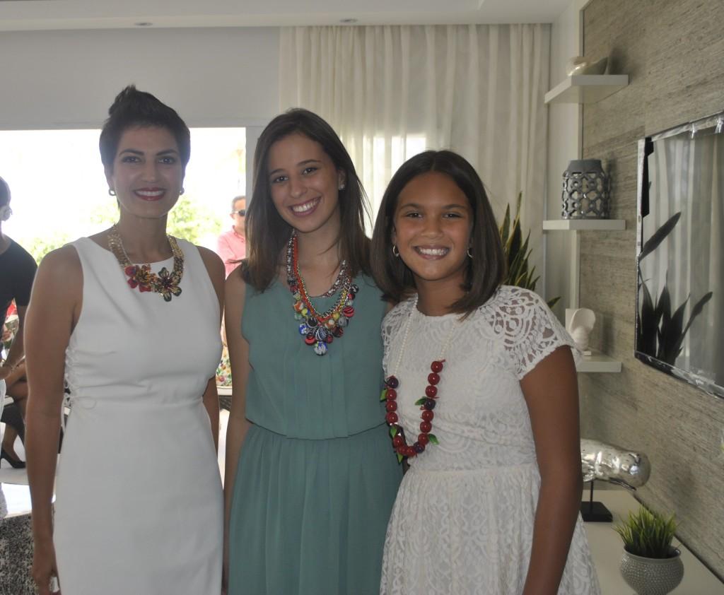 Cynthia Garate de Feliz, María Laura Félix y Miranda Félix