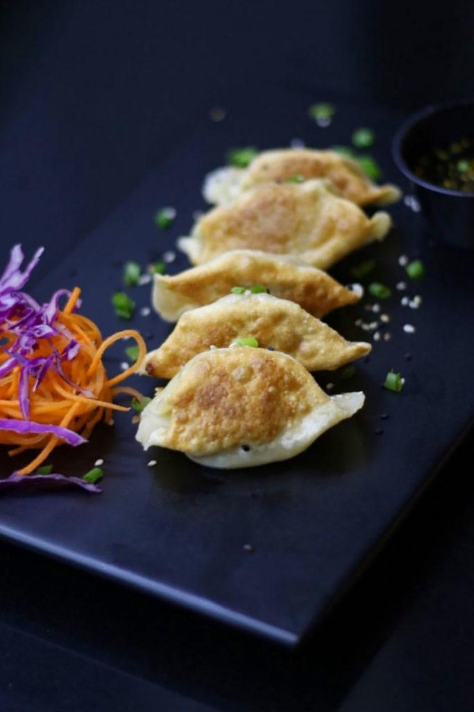 Gyoza de cerdo, vegetales y hongos con un toque de sésamo, Tamashi Sushi & More, Santo Domingo