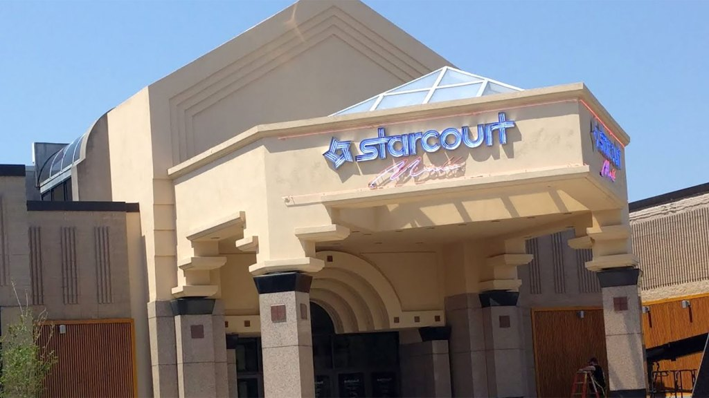 Stranger Things Tour: Starcourt Mall