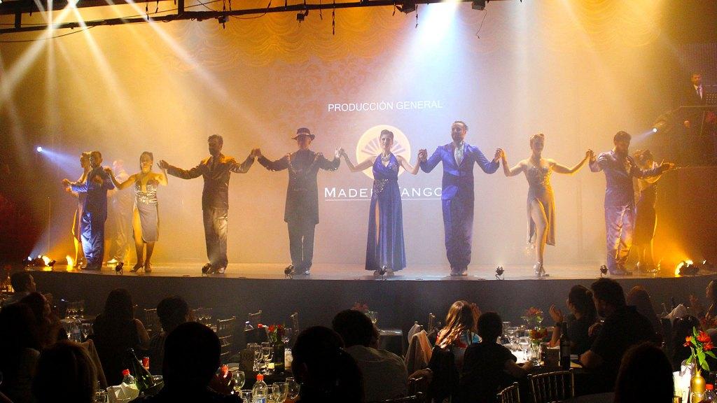 """Los bailarines y artistas responsables de """"Magia!"""", el espectáculo de Madero Tango"""