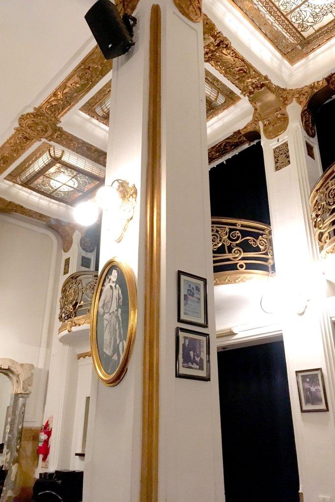 Columna de sala Tango Carlos Gardel