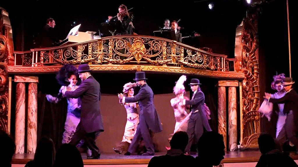 Baile de la Belle Epoque en Palacio Tango