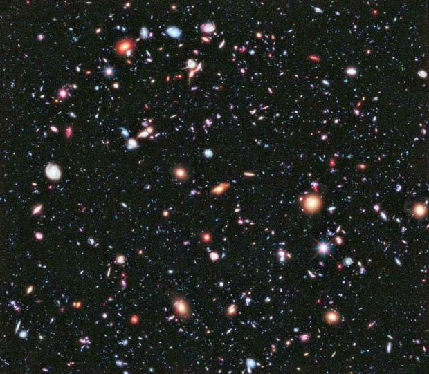 100s-of-galaxies-seen-through-the-Hubble-Deep-Field-HDF-as-they-were-10-billion-years-ago