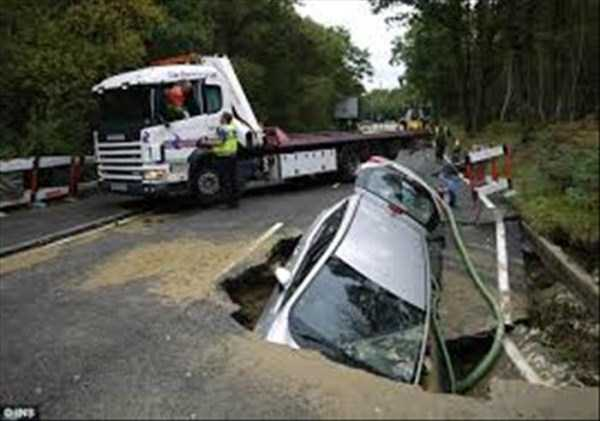 cars-in-bizarre-situations-7