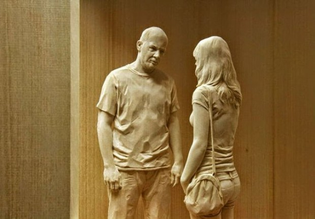 life-like-realistic-wooden-sculptures-peter-demetz-6