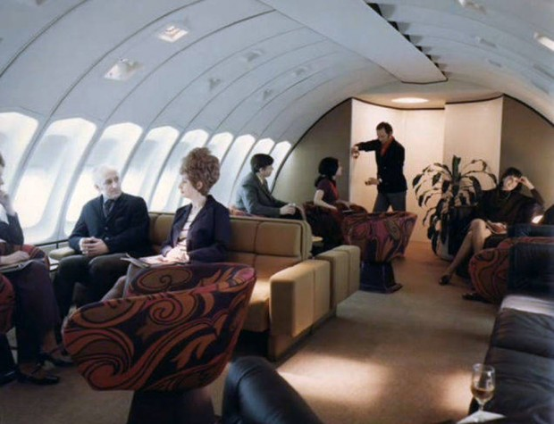 Στο-εσωτερικό-ενός-αεροπλάνου-το-1970-04