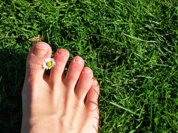 how to treat an infected ingrown toenail