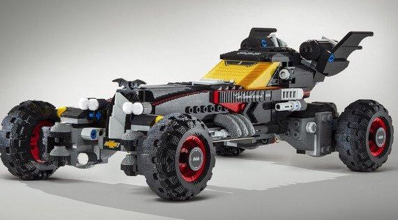 The LEGO Movie Batmobile a grandezza naturale
