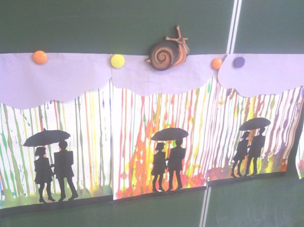silhouettes sous parapluie 1