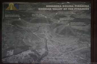 Photo du plan du site des Pyramides de Bosnie