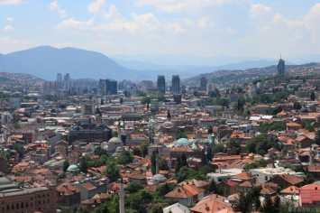 Vue des hauteurs de la ville de Sarajevo