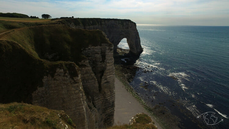 Falaises d'Etretat - Vue des falaises d'Etretat du sentier des douaniers