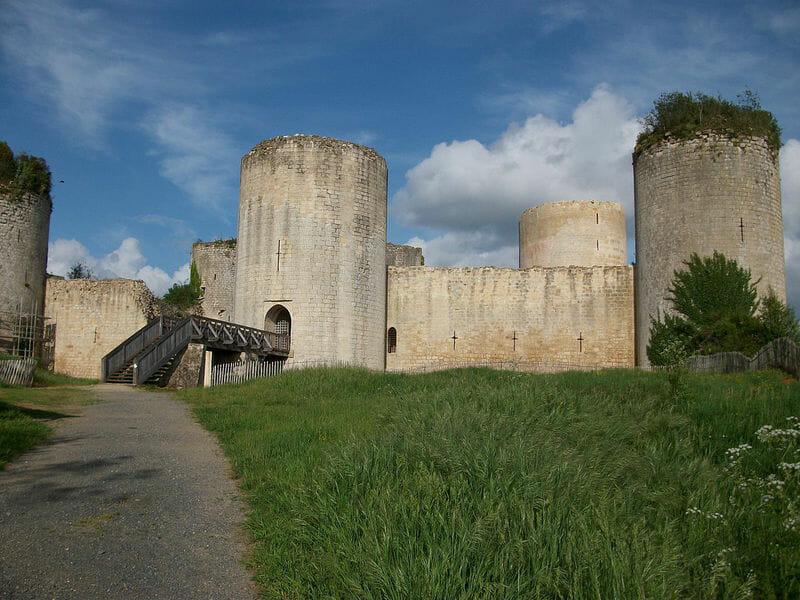 Randonner en Deux-Sèvres - Chateau Coudray Salbart