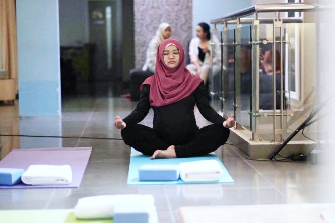 Prenatal yoga, ibu hamil, hamil, yoga, olahraga ibu hamil, pregnancy, healthy pregnancy, maternity