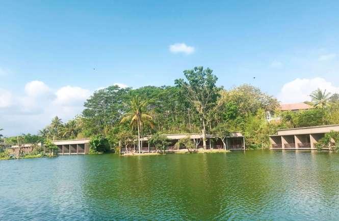 The Westlake Resort Hotel di Yogyakarta
