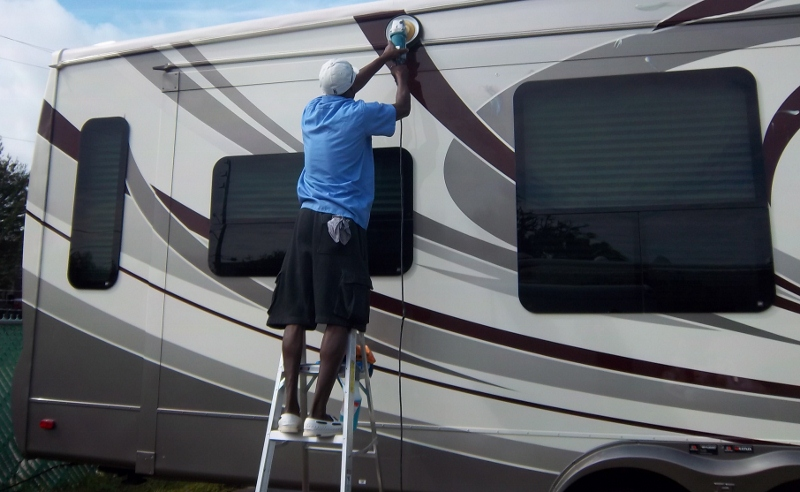 Buffing RV In Palm Harbor