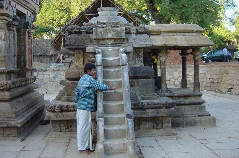 This 12th-century lord shiva temple has musical steps made