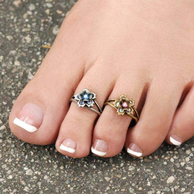 Reason Why Indian Women Wear Silver Toe Ring And The Benefits As Per