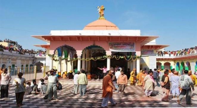10 Most famous temples in Uttar Pradesh You Should Visit