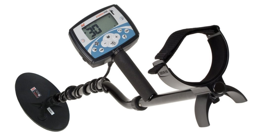 Minelab X-Terra 705 Gold Pack Metal Detector Review - Detectorly