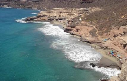 "La plage hippie ""Spaghetti Beach"" de la Caleta à Tenerife"
