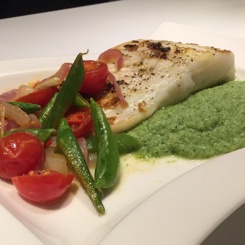 Stekt torsk med tomatsalat og brokkolipuré