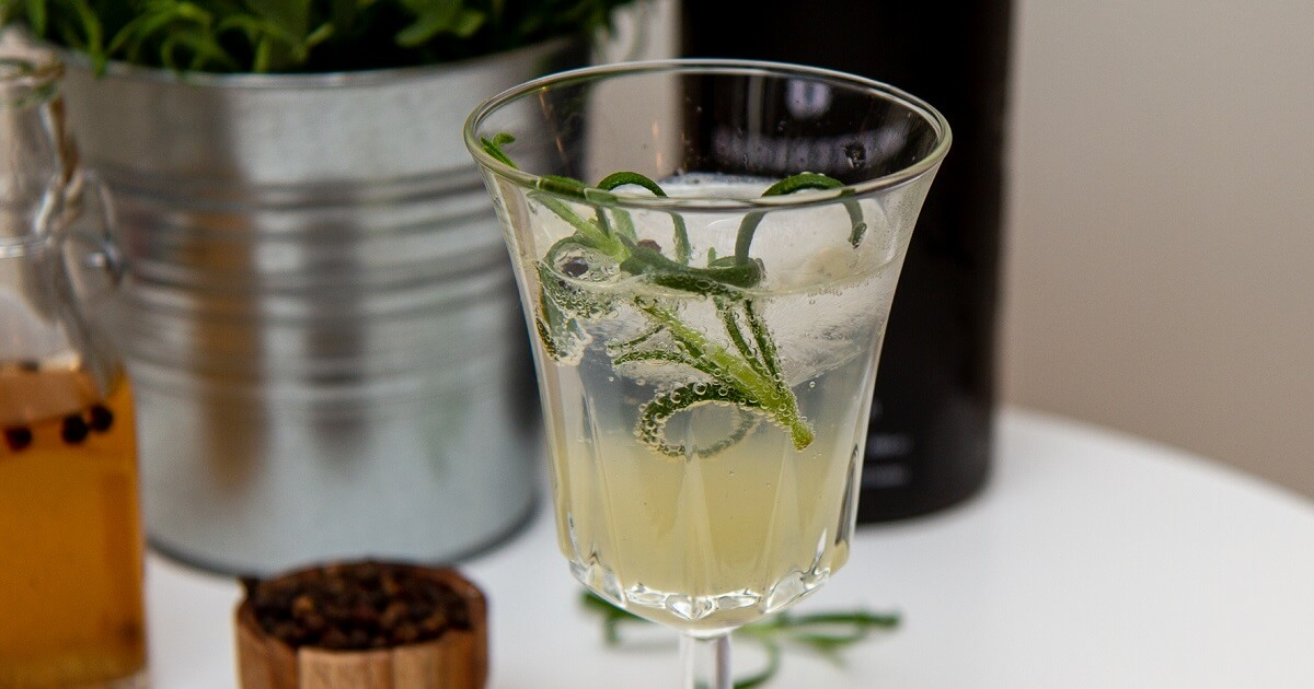 Gin tonic med rosmarin