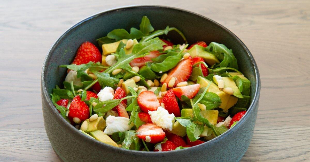 Jordbær og mozzarellasalat
