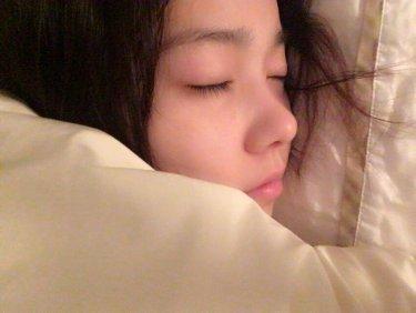 島崎遥香(ぱるる)がすっぴん寝顔画像をツイッターに公開!「超かわいい」ファン感激