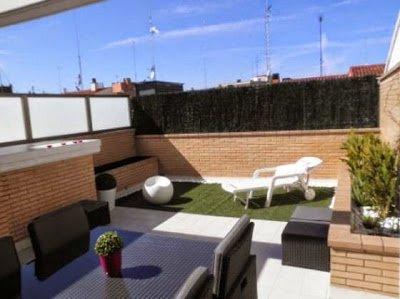 Desain Teras Rumah Klasik Sederhana