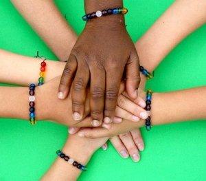 Puisi Persahabatan Tentang Perbedaan Pandangan
