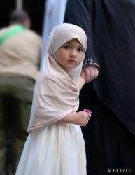 Rangkaian Nama Anak Perempuan Islami 3 kata Pilihan