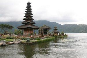 Objek Wisata Kumpulan Danau Terbaik Di Dunia7