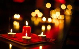 Puisi Cinta Romantis Yang Oke Banget