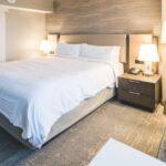Cómo hacer que su hogar se sienta como un hotel (en el buen sentido)